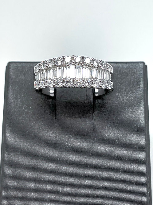 1.46ctw 14k Baguette And Round Diamond Band