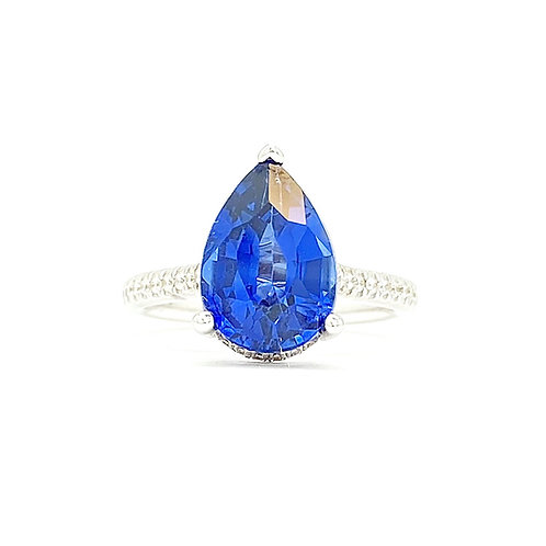 18KT White Gold Sapphire and a Diamond Ring