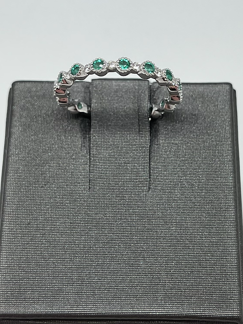 .24ctw 14k Emerald And Diamond Band