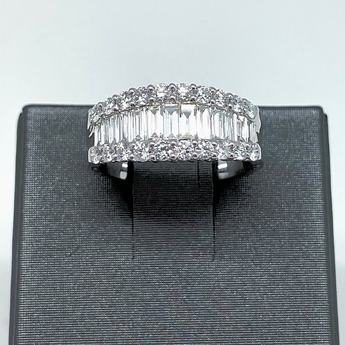 1.92ctw Baguette And Round Diamond Band