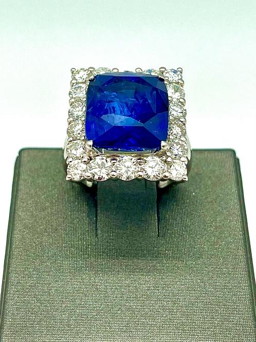 Vintage platinum 17.28 carat Sapphire ring (GIA)