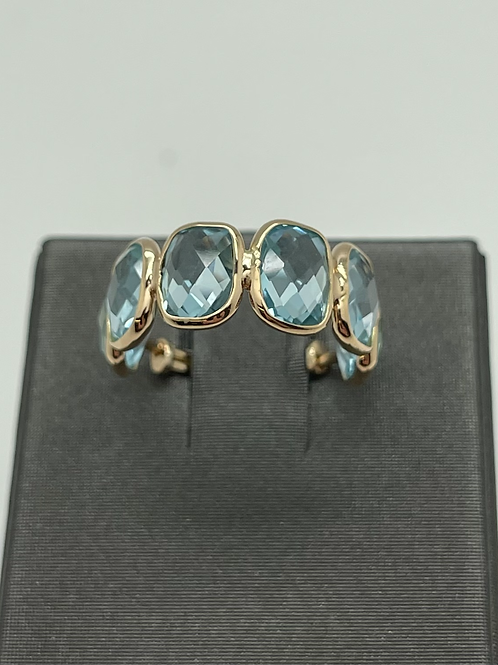 Tresor 18k Blue Topaz Ring
