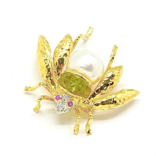 18k Pearl Bee Brooch