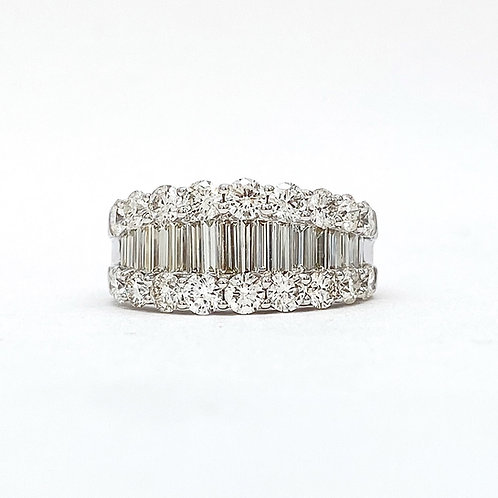 14KT White Gold Round and Baguette Diamond Band