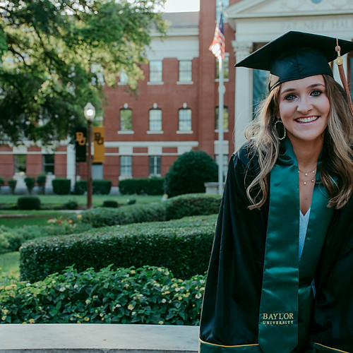 Lexi: Graduation Photos