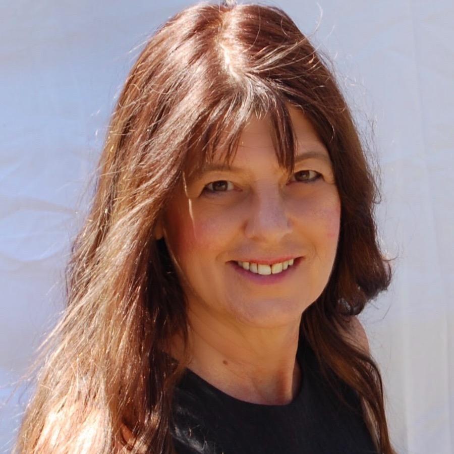 Dina DiNucci