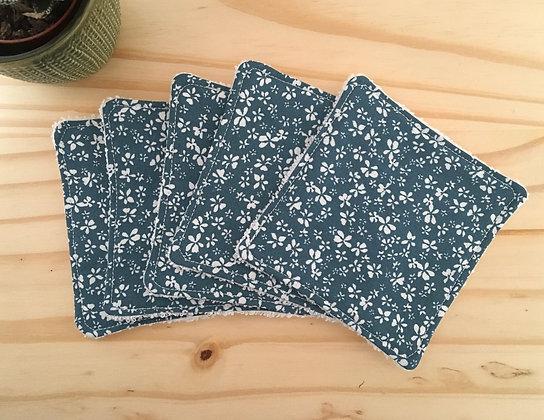 Lot de 5 carrés démaquillants - fleurs blanches sur fond bleu