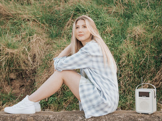 """North East singer singer writer Caitie releases her debut single """"Live It Up"""" on Friday 11th June."""