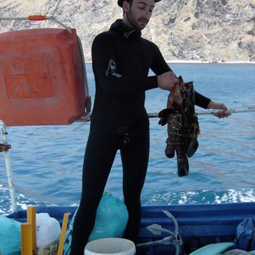 underwaterfishinglesvos.jpg