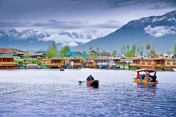 Jammu-and-Kashmir-Srinagar.jpg