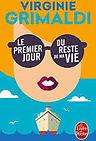 """<p class=""""font_7"""" style=""""text-align: justify"""">Virginie Grimaldi est une romancière française dont les cinq romans sont tous devenus des best-sellers. Plusieurs de ses ouvrages ont été classés dans le style """"chick lit"""" ou de la littérature """"feel good"""" par certains médias. Une littérature légère certes, mais sincère et drôle et qui à conquis le coeur des français. Comme le dit Virginie : """"J'aime que le quotidien soit léger, rieur et doux. Sans doute parce que c'est ce qui me permet d'équilibrer la part plus grave et anxieuse qui se niche tout au fond de moi"""". En 2019, elle figurait à la troisième place du Top 10 des romanciers français ayant vendu le plus de livres sur le territoire national.</p>"""
