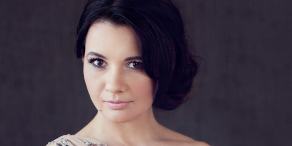 Dashing Laura Nicorescu Sings for the Romanian Centenary at RCI New York