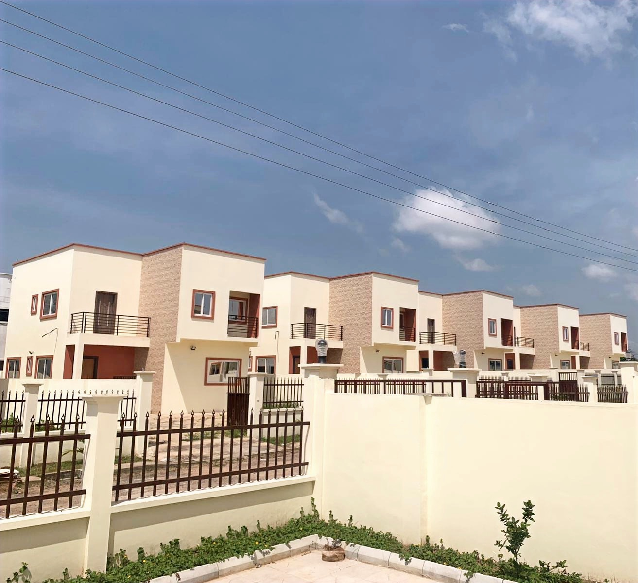 3 bedroom Detached houses