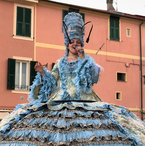 Street Opera Singer