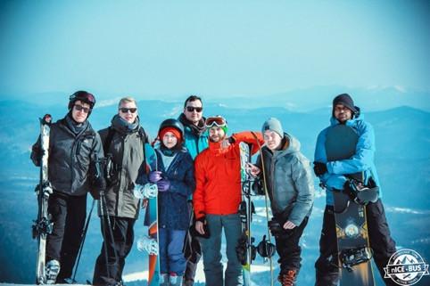 Lasse på skitur med nogle russiske venner