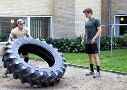 Flip the tire