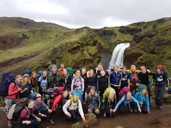 Fællesskab, vandfald og smuk natur