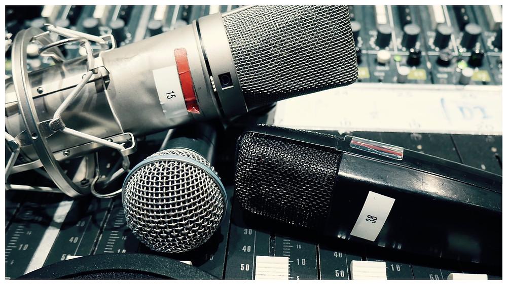 Recording microphones at London Bridge Studio