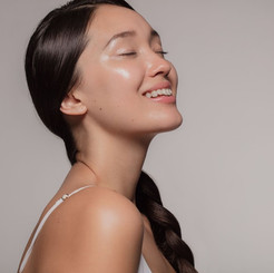 5 Best Skin Care Products For Oily Skin To Clear Your Skin Overnight!
