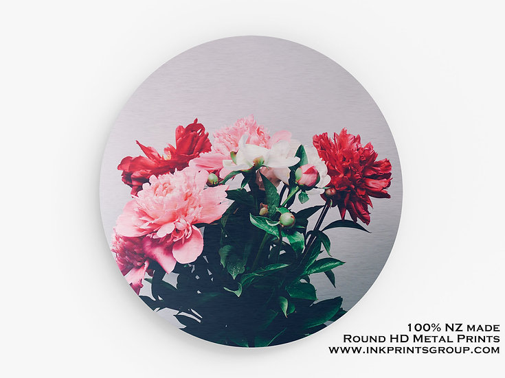 Flowers Large Round HD Metal Print. M0021