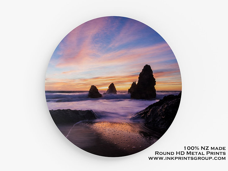 Beach Rock Large Round HD Metal Print. Landscape M0016