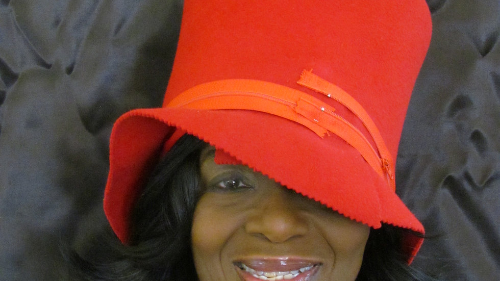 Woman's casual Red Hat