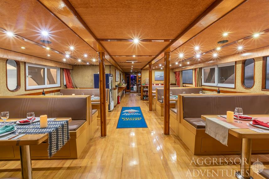 sa-yacht31w857h570crwidth857crheight570