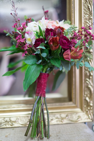 Four Ways to Tie Romantic Color Schemes with Playful Themes for the Winter