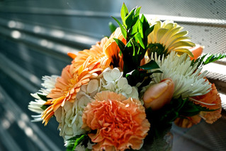 Spring weddings: Love & flowers blooming in the air!