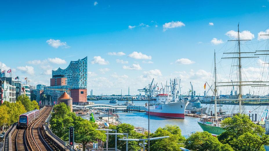 Hamburger Hafen- Betriebsausflug mit den Kiezjungs