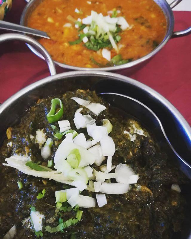 Nuestra comida vegana 😋 Alu Palak y Daa