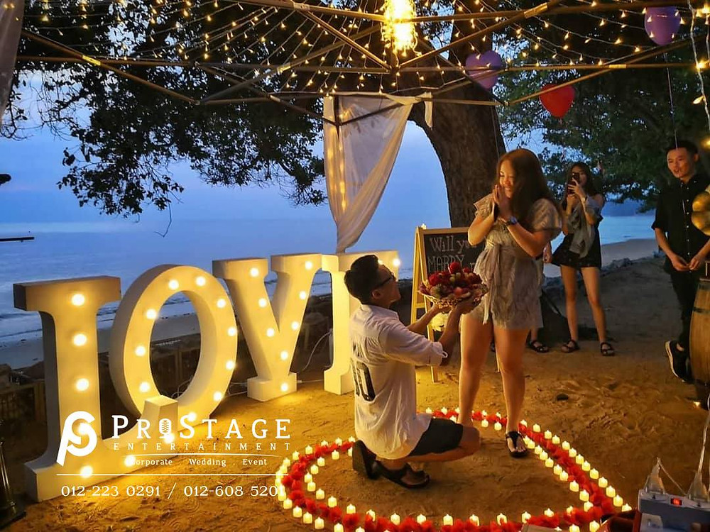 Romance wedding proposal
