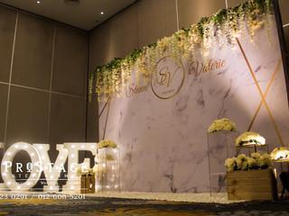 Marble Theme Wedding Dinner Decoration