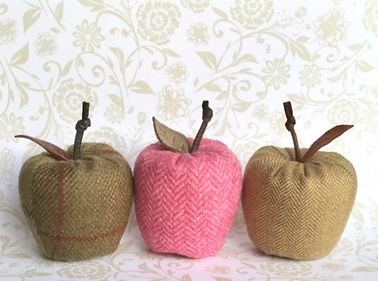 Tweed apples