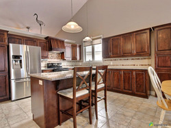 eat-in-kitchen-home-for-sale-orleans-ontario-1600-7136272