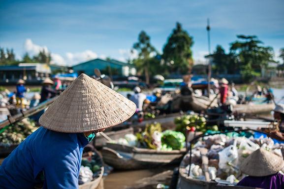 Phong Dien Floating Market.jpg