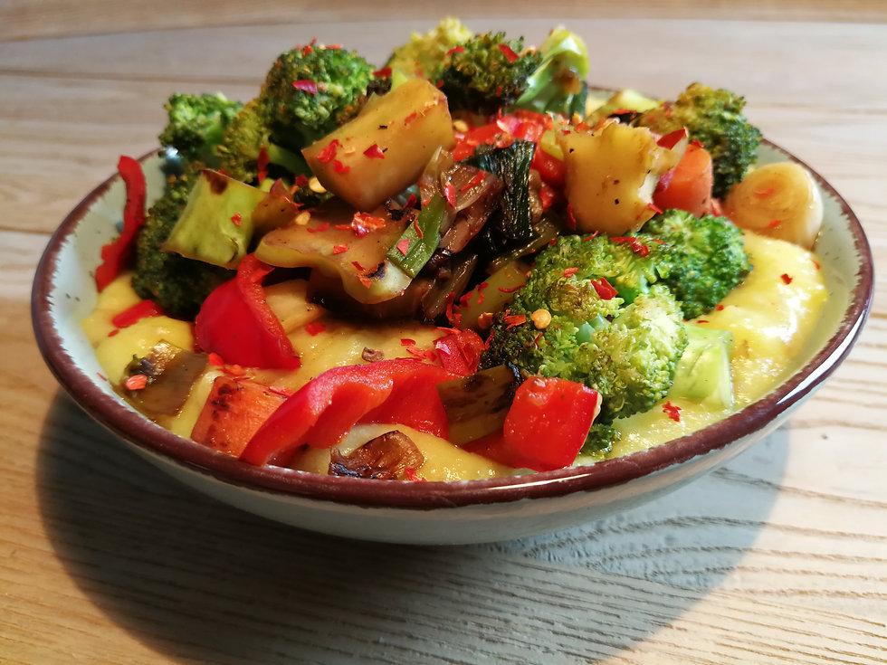 Gemüse auf Pürree