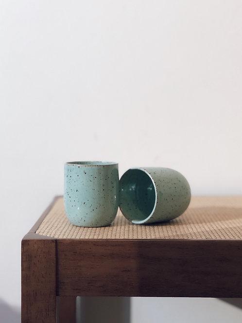 par de copos espresso cerâmica | verde sálvia
