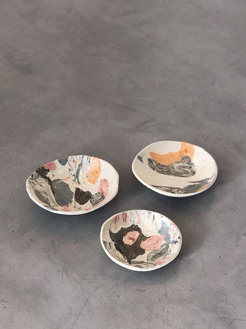 conjunto de 3 pratos