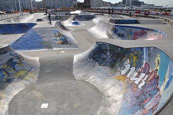 Skatepark_in_Le_Havre_(2).JPG
