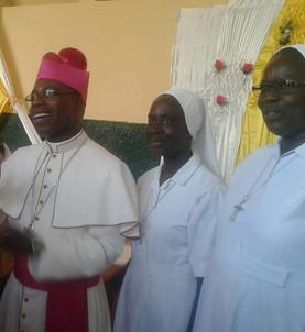 Kaolack Sénégal : L'Évêque Martin - 52 ans - Le Serviteur de Tous. Son icône : Le lavement des pieds