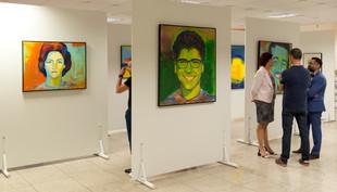 Exposição Retratos e Cores no UniCEUB CULTURAL na Asa Norte