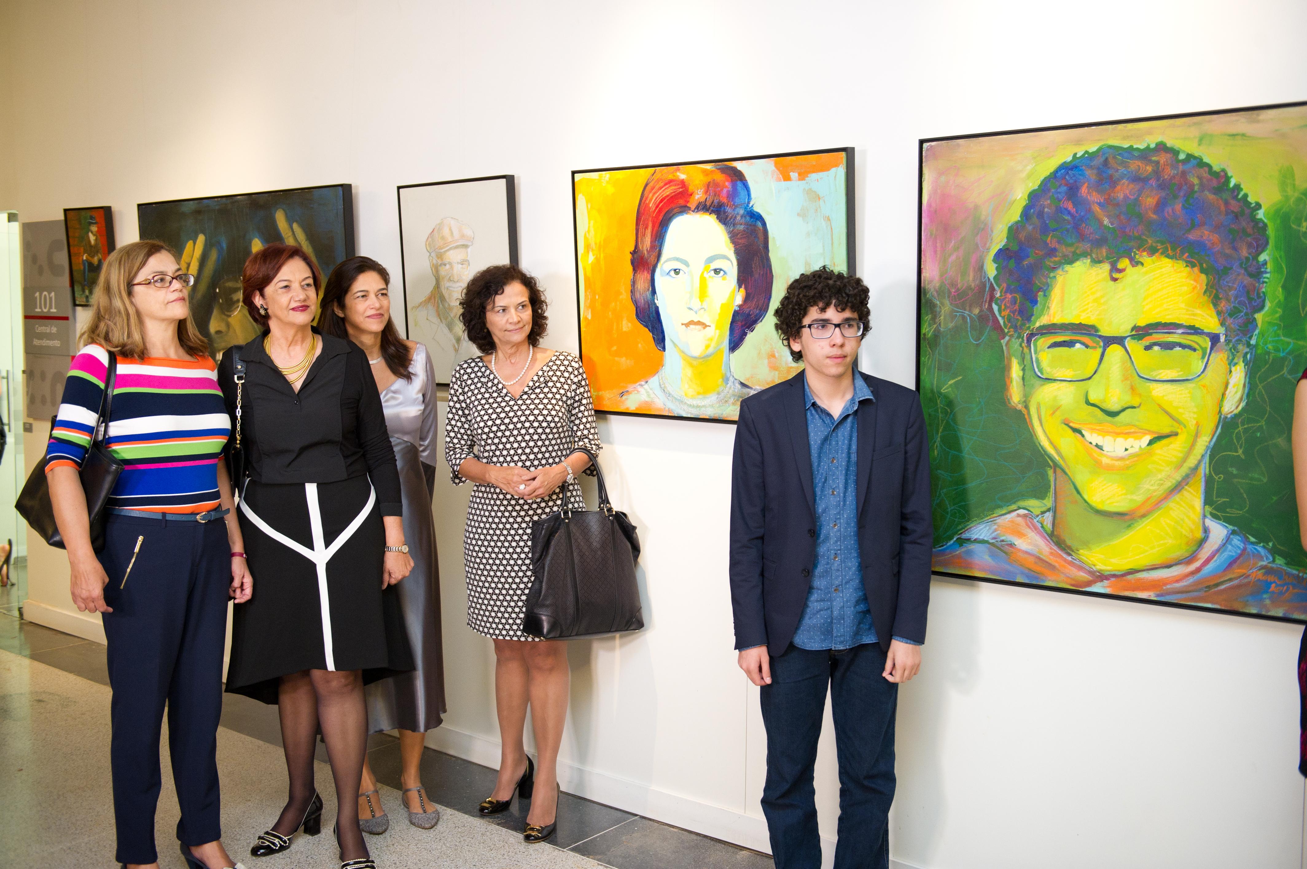 abertura-da-exposio-retratos-e-cores_344