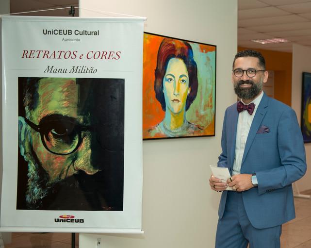 Manu Militão na Exposição Retratos e Cores no UniCEUB CULTURAL na Asa Norte
