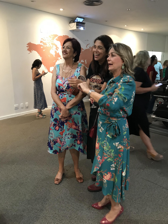 Beth Manzur, Mônica, Cristina Moraes