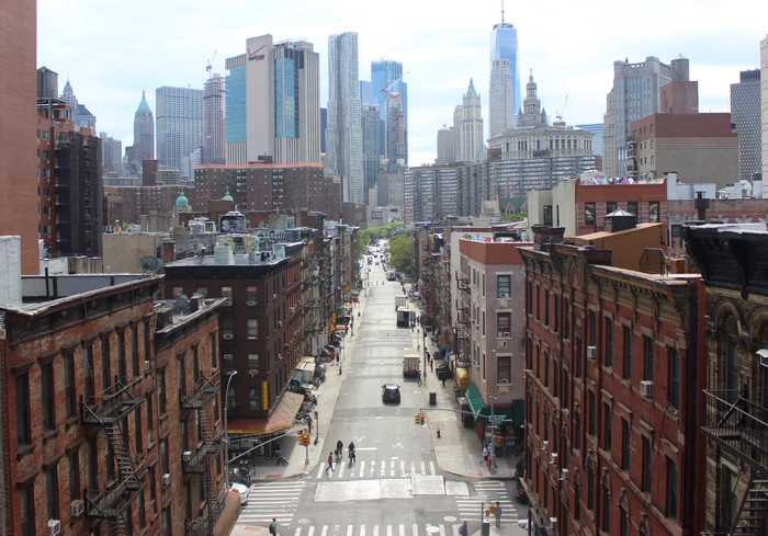 Planning for Decarbonization: Building a Low Carbon Urban Commons
