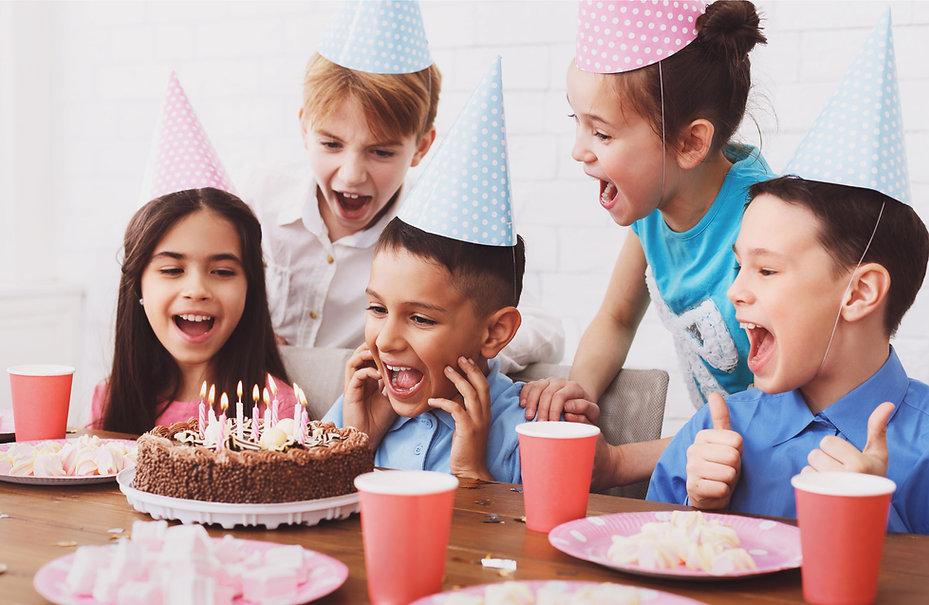 kids-happy-cake.jpg