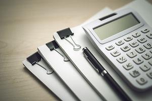 吉田享仁税理士事務所では、決算・税務申告業務を承ります。顧問契約もご検討下さい。