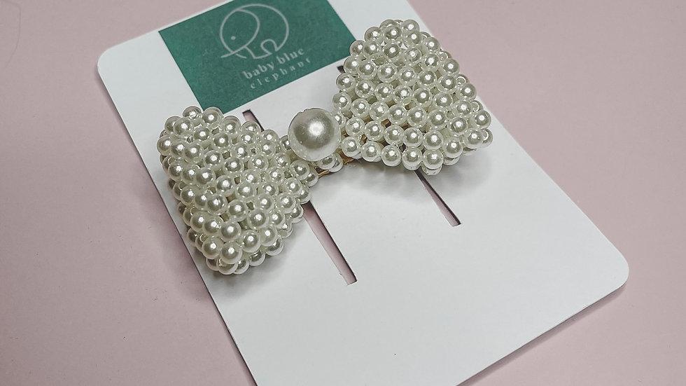 Pearl Bow Clip