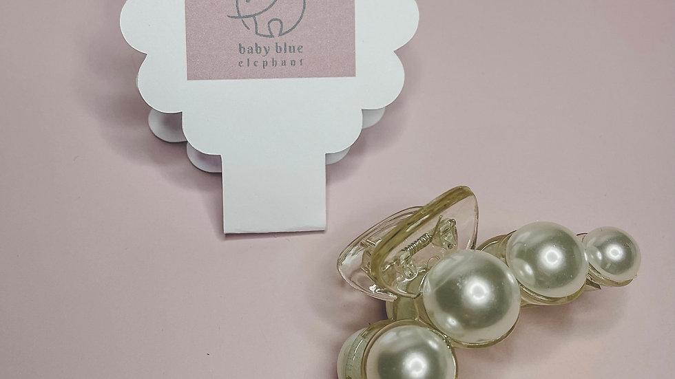 Pearl Claw Clip - Medium